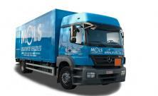 Vrachtwagen met grote laadruimte, slaapcabine en laadklep - 2 zitplaatsen (kl 81)