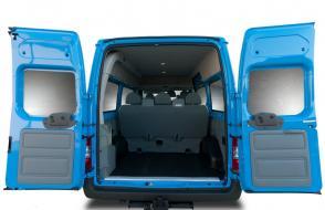 Minibus met ruime bagageruimte en trekhaak: 9 zitplaatsen - LEZ toegestaan (kl 16)